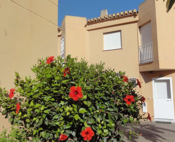 Apartment for rent in Marbella (Elviria) - image 02-576x467 on https://www.laconchaliving.com