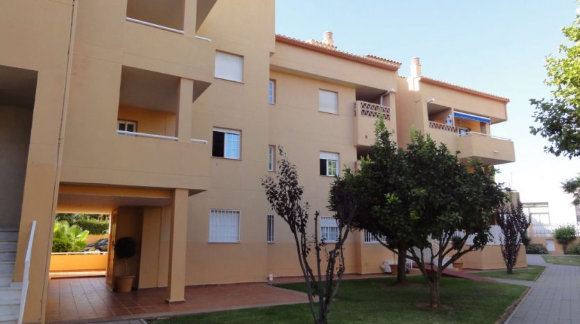 Apartment for rent in Marbella (Elviria) - image 03-835x467 on https://www.laconchaliving.com