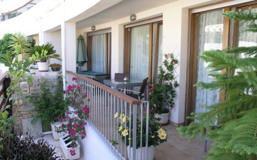 Villa in Los Monteros - image 1-10-525x328 on https://www.laconchaliving.com