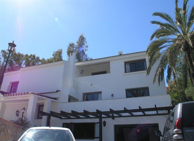 Villa in Nueva Andalucia - image 1-8-640x467 on https://www.laconchaliving.com