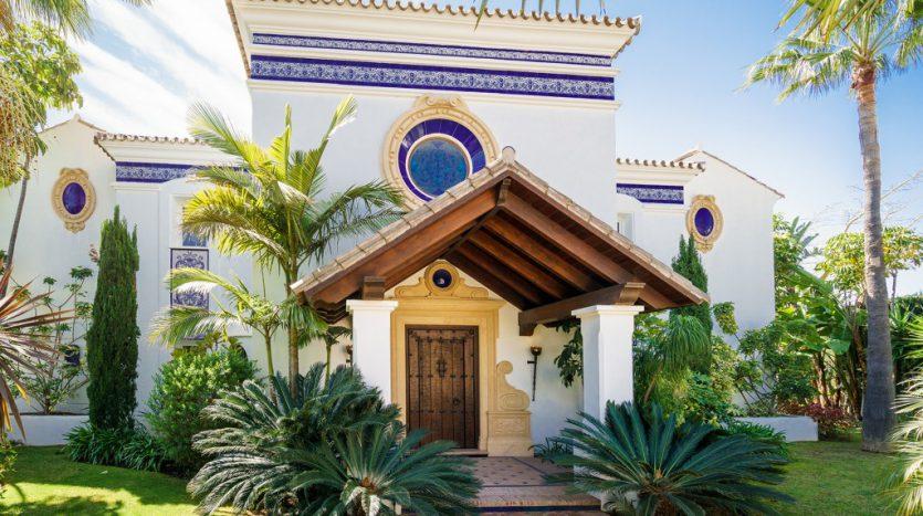 Villa Capanes, La Alqueria golf - image 1-Villa-Capanes-Alqueria-835x467 on https://www.laconchaliving.com