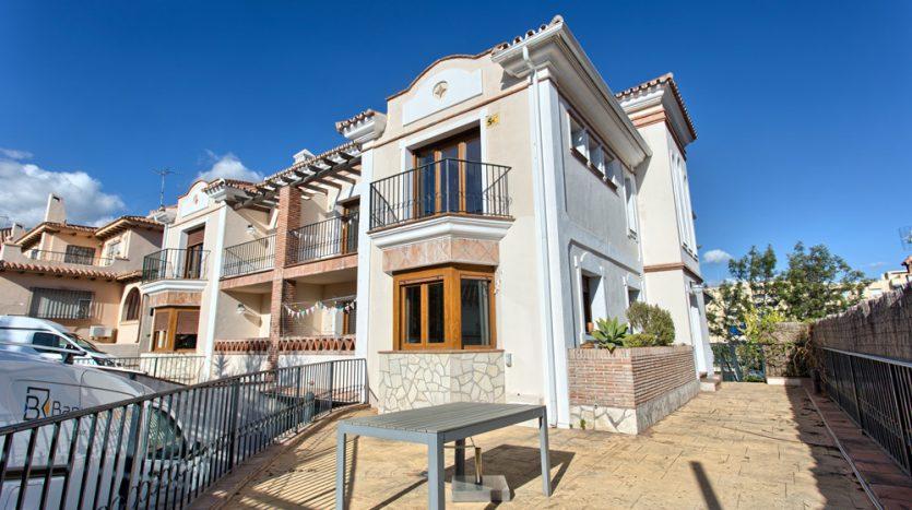 Semi detached villa in Marbella centre - image 1-Villa-Valentunana-835x467 on https://www.laconchaliving.com