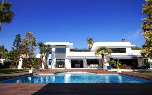 La Concha Living - image 1-Villa-pool-1-525x328 on https://www.laconchaliving.com