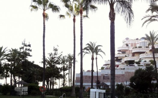 Beachside townhouse Marbella - image 120-Grey-dAlbion-525x328 on https://www.laconchaliving.com