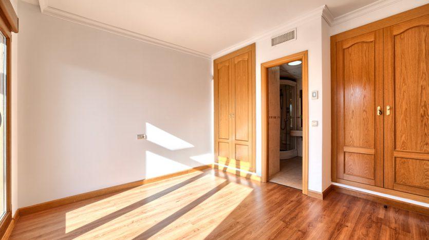 Semi detached villa in Marbella centre - image 13-bedroom-835x467 on https://www.laconchaliving.com