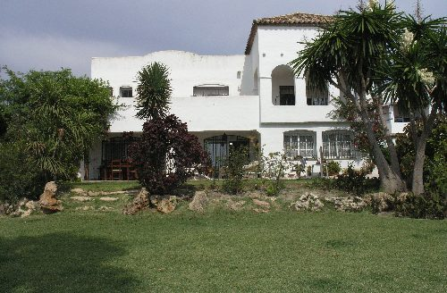 Detached Villa Estepona - image 14-4-500x328 on https://www.laconchaliving.com