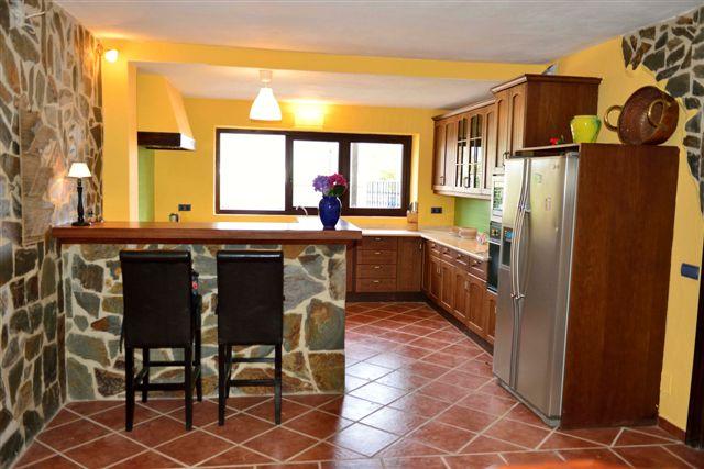 Villa in Nueva Andalucia - image 14-5 on https://www.laconchaliving.com