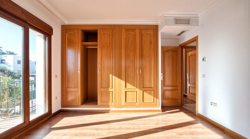 Semi detached villa in Marbella centre - image 16-bedroom-1-835x467 on https://www.laconchaliving.com