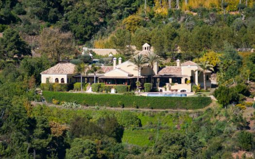 Villa La Zagaleta Benahavis - image 2-5-525x328 on https://www.laconchaliving.com