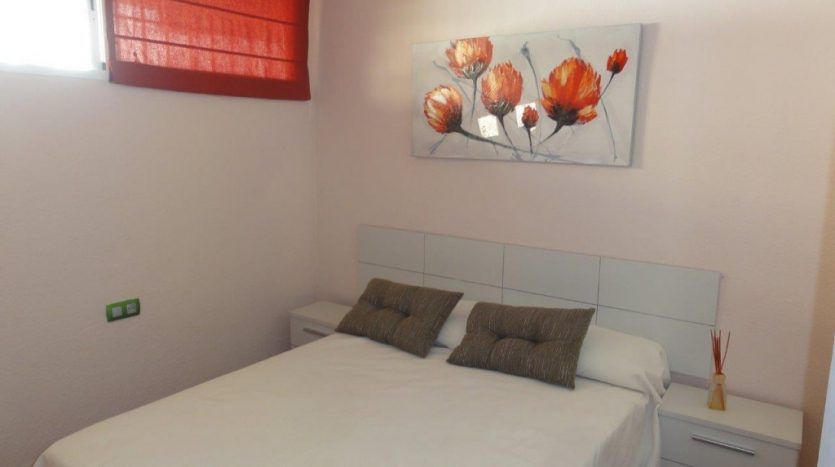 Квартира недалеко от порта Марбельи - image 5-Marbella_beachside_apartment_bedroom-1-835x467 on https://www.laconchaliving.com