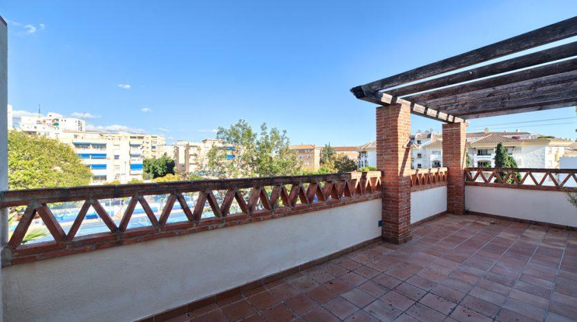 Semi detached villa in Marbella centre - image 5-terrace-835x467 on https://www.laconchaliving.com