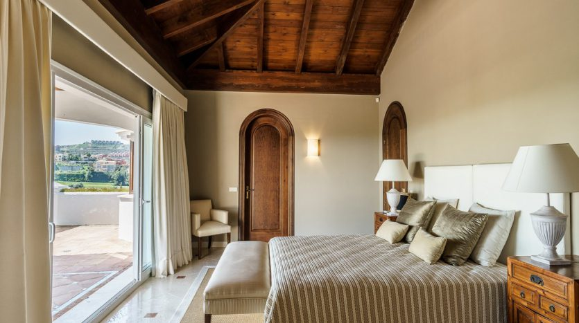 Villa Capanes, La Alqueria golf - image 8-Villa-Capanes-Alqueria-835x467 on https://www.laconchaliving.com