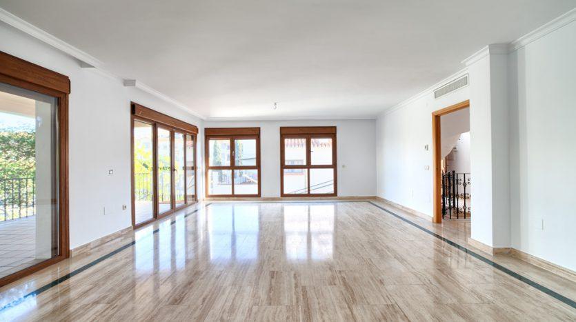 Semi detached villa in Marbella centre - image 8-living-area-835x467 on https://www.laconchaliving.com