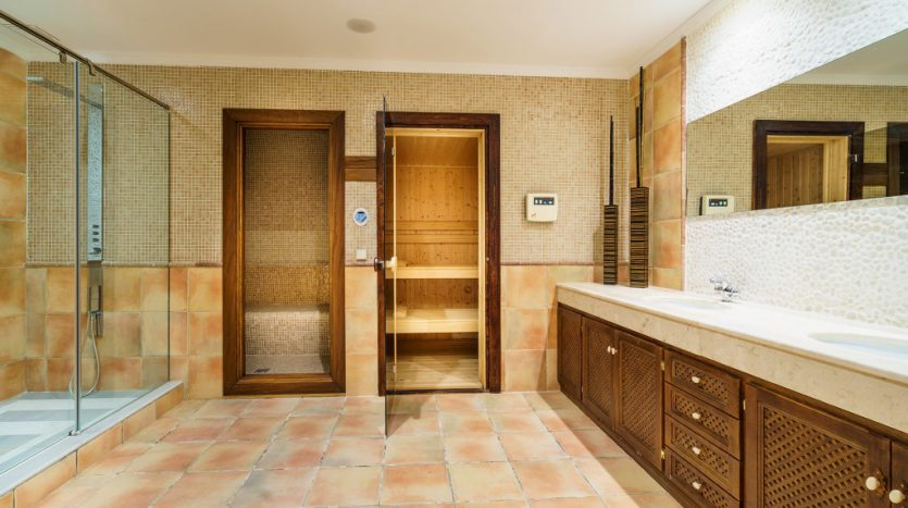 Villa Capanes, La Alqueria golf - image 9-Villa-Capanes-Alqueria-835x467 on https://www.laconchaliving.com