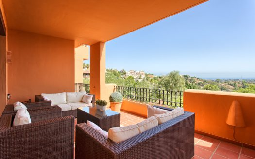 Bright beachside apartment - image Apartment-for-sale-Los-Almendros-1-525x328 on https://www.laconchaliving.com