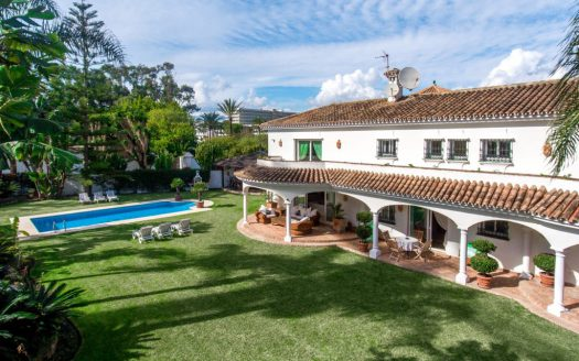 Tuscan style villa on Marbella Golden Mile - image Beachside-villa-Casasola-1-Large-525x328 on https://www.laconchaliving.com