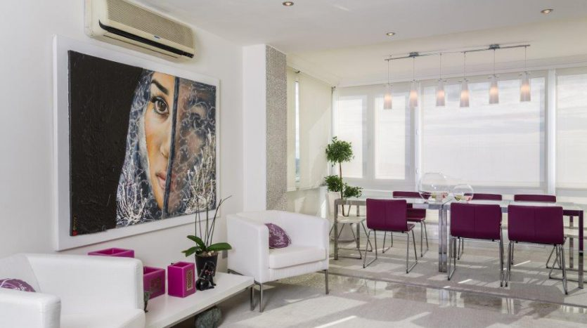Luxury Apartment in Torre Real Marbella - image CMC9486-835x467 on https://www.laconchaliving.com