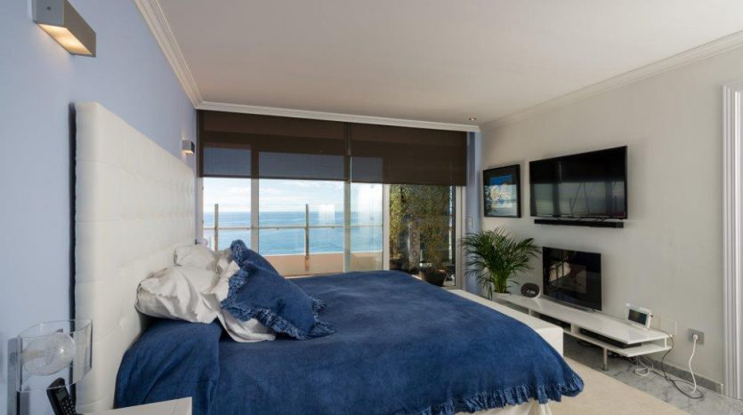 Luxury Apartment in Torre Real Marbella - image CMC9531-835x467 on https://www.laconchaliving.com