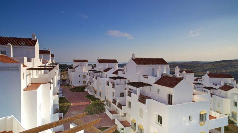 Sunny apartment in Valle Romano Estepona - image Capitolio-6-835x467 on https://www.laconchaliving.com