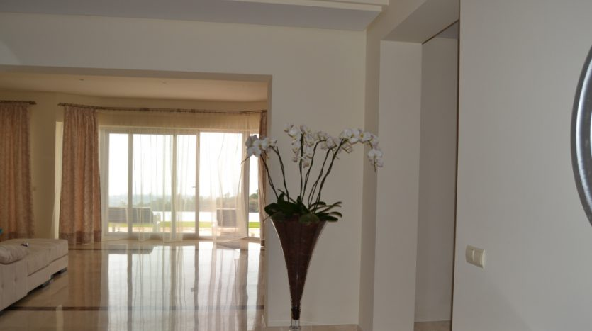 Villa, New Golden Mile - image DSC_0819-835x467 on https://www.laconchaliving.com