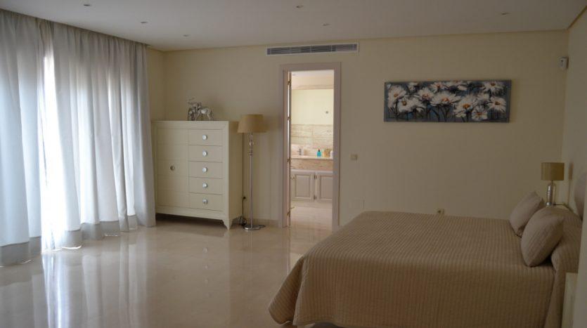Villa, New Golden Mile - image DSC_0846-835x467 on https://www.laconchaliving.com
