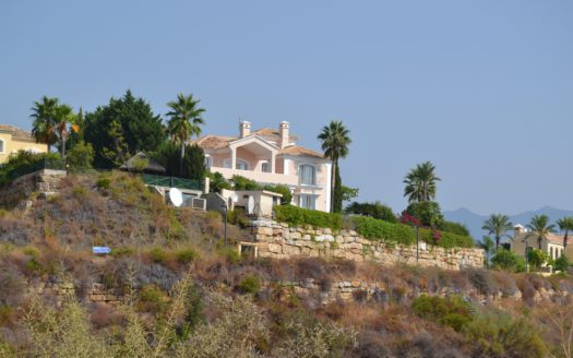 Detached Villa Estepona - image DSC_0919-525x328 on https://www.laconchaliving.com
