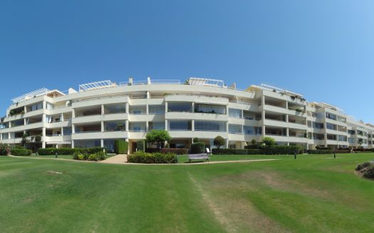 Apartment for rent in Marbella (Elviria) - image Los-Granados-de-Cabopino-2-525x328 on https://www.laconchaliving.com