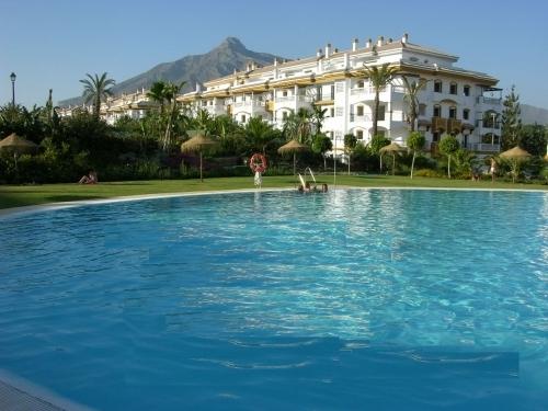 Apartment in La Dama de Noche Nueva Andalucia - image Main on https://www.laconchaliving.com