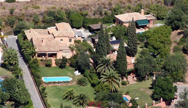 Villa en Cascadas de Camojan - image Main142 on https://www.laconchaliving.com