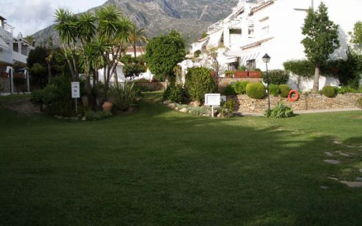 Beachside townhouse Marbella - image N16-525x328 on https://www.laconchaliving.com