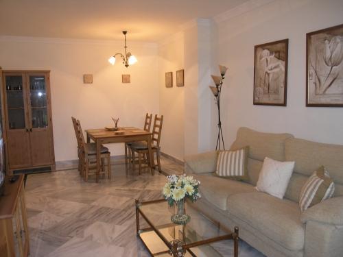 Apartment in La Dama de Noche Nueva Andalucia - image O on https://www.laconchaliving.com