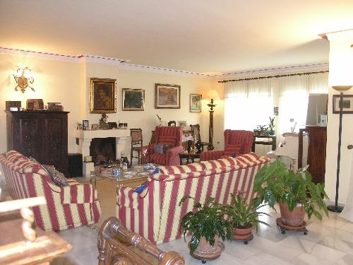 Villa in Estepona - image O5-1 on https://www.laconchaliving.com