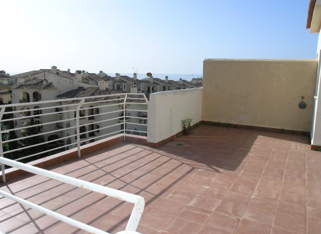 Penthouse in Riviera del Sol - image P4088768-Small-640x467 on https://www.laconchaliving.com