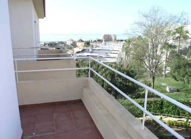 Penthouse in Riviera del Sol - image P4088772-Small-640x467 on https://www.laconchaliving.com