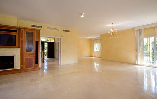 Villa in Nueva Andalucia - image P46 on https://www.laconchaliving.com