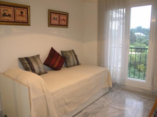 Apartment in La Dama de Noche Nueva Andalucia - image R on https://www.laconchaliving.com