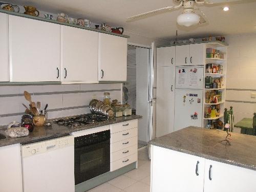 Villa in Estepona - image R4-1 on https://www.laconchaliving.com