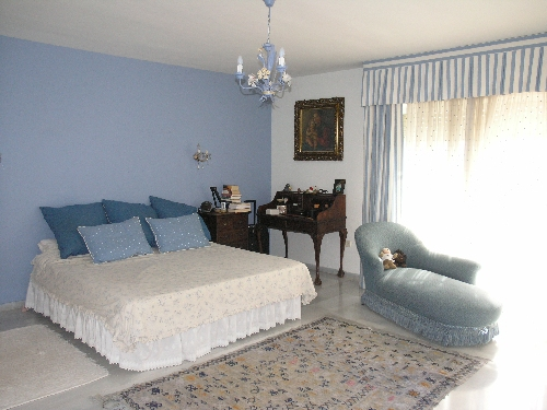 Villa in Estepona - image S4-1 on https://www.laconchaliving.com