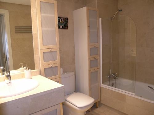 Apartment in La Dama de Noche Nueva Andalucia - image T on https://www.laconchaliving.com