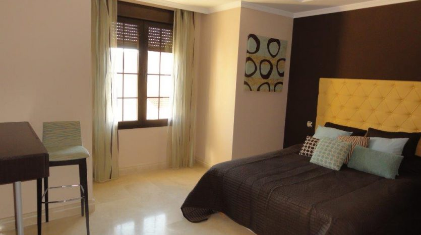 Beautiful villa close to Puerto Banus - image VILLA-LOCRIMAR-6-835x467 on https://www.laconchaliving.com