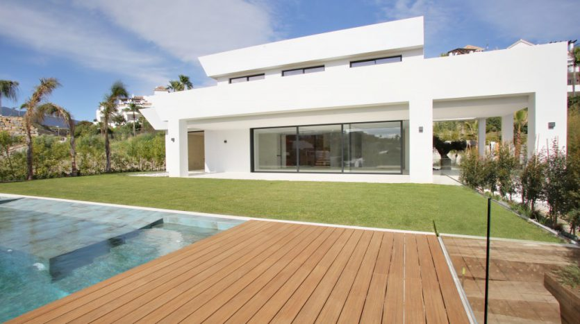 Villa for sale in La Alqueria - image Villa-La-Alqueria-1-835x467 on https://www.laconchaliving.com