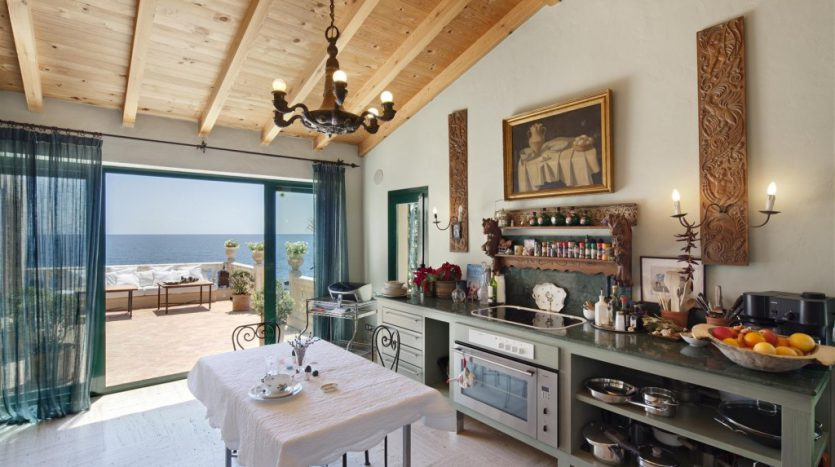 Beachfront Villa with a history - image Villa-La-Torre-5-835x467 on https://www.laconchaliving.com