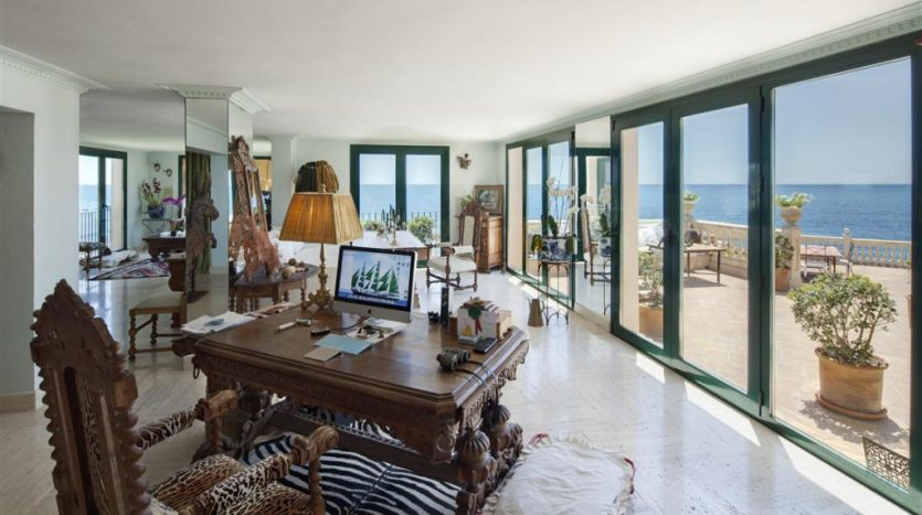 Beachfront Villa with history