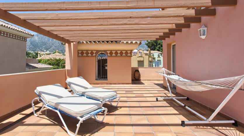 Вилла в центре Марбельи - image Villa-for-sale-in-Marbella-17-835x467 on https://www.laconchaliving.com