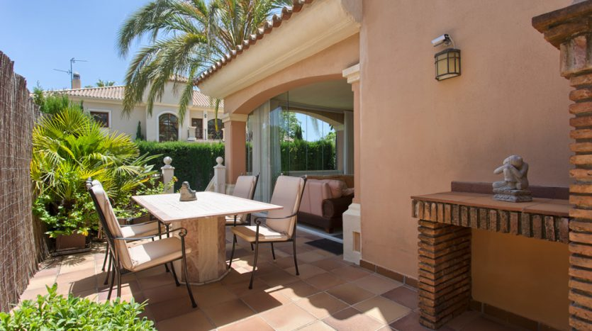 Spacious family villa for sale in Marbella - image Villa-for-sale-in-Marbella-6-835x467 on https://www.laconchaliving.com