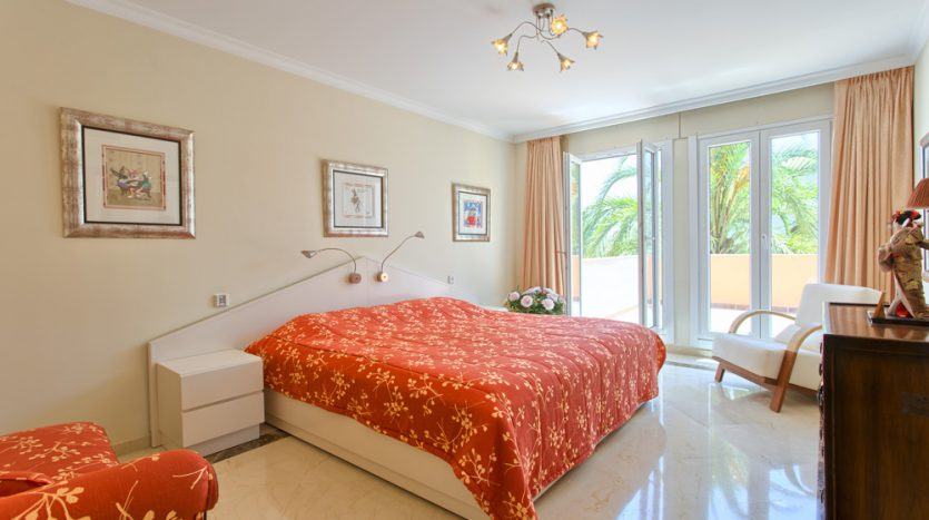 Spacious family villa for sale in Marbella - image Villa-for-sale-in-Marbella-8-835x467 on https://www.laconchaliving.com