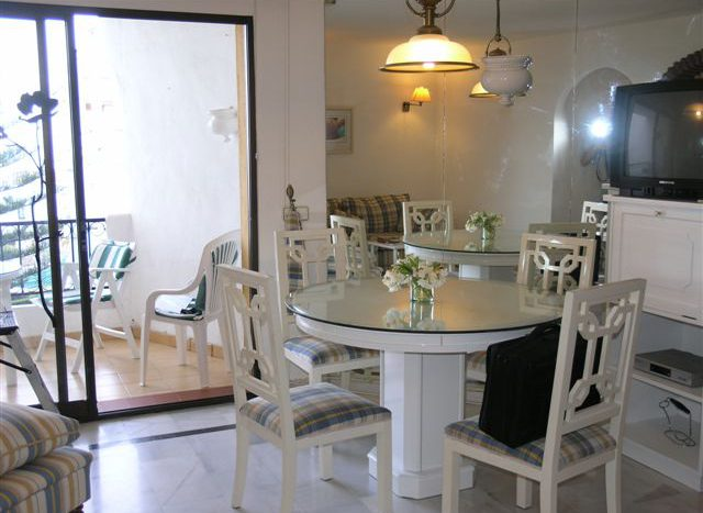 Apartment at 100 meters from the beach - image n2-2-640x467 on https://www.laconchaliving.com