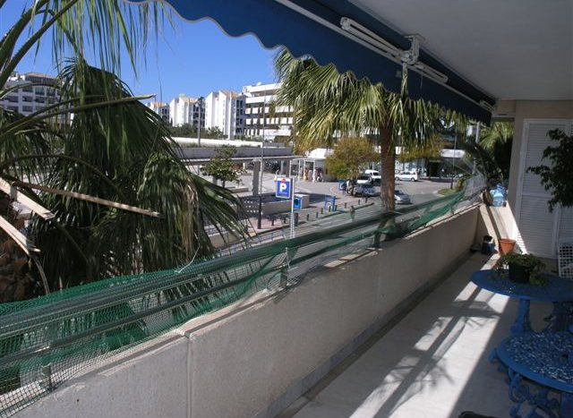 Apartment in Puerto Banus - image terrace-640x467 on https://www.laconchaliving.com