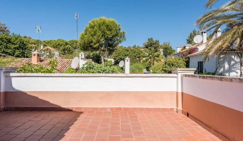 Town House in Marbella - La Virginia - image Town-House-for-sale-in-La-Virginia-Marbella-Golden-Mile-10-800x467 on https://www.laconchaliving.com