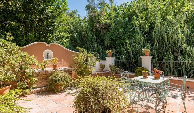 Town House in Marbella - La Virginia - image Town-House-for-sale-in-La-Virginia-Marbella-Golden-Mile-3-800x467 on https://www.laconchaliving.com